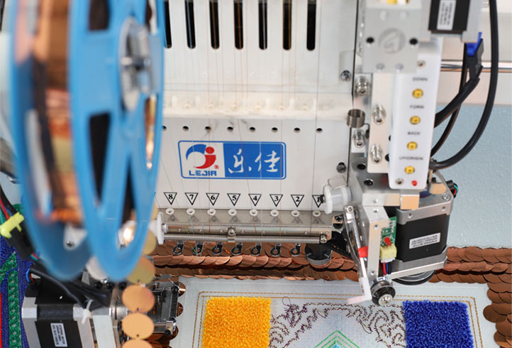 LJ-910+610 Multi-function embroidery machine chenille embroidery machine embroidery machine with sequin device